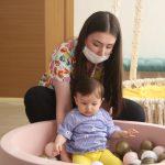 کوویڈ پازیٹیو مائیں بچوں کو دودھ پلانا جاری رکھیں؛ ڈبلیو ایچ او