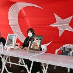 کُرد دہشت گردوں تُرک بچوں کو اغوا کر کے دہشت گرد بنا رہے ہیں، ماؤں کا احتجاج