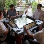 ترکی کے کافی ہاوس میں ڈیجیٹل گیمز ٹیبل متعارف