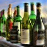 ترکی: جعلی شراب بیچنے والوں کے خلاف کارروائی، مرنے والوں کی تعداد 64 ہو گئی