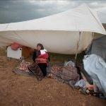 اسرائیلی مظالم: فلسطینی خاندان 9 روز سے سخت سردی میں کھلے آسمان تلے بیٹھا ہے