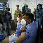 پاکستان میں کورونا ویکسین نا لگوانے والوں کے خلاف سخت کاروائی کرنے کا اعلان